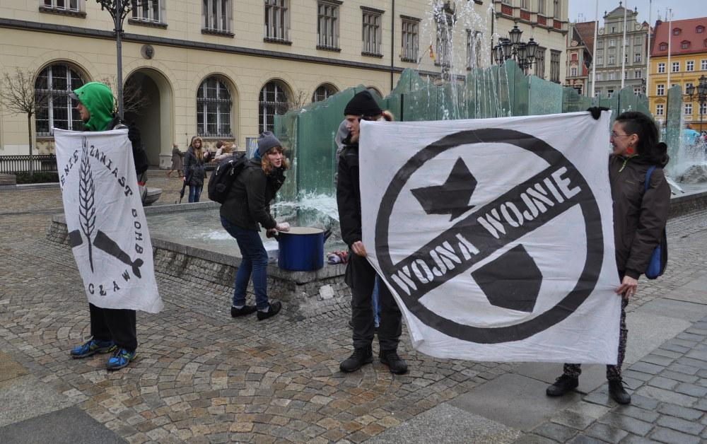 Wojna wojnie – akcja przeciwko wydatkom na zbrojenia (marzec 2015)