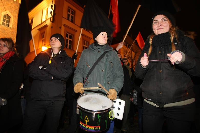 blok anarchistyczny demo antyrasistowskie5